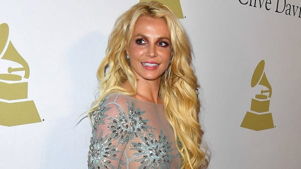 Britney Spears Sang Live & Gave Everyone Something to Talk About